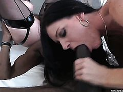 RayVeness finds her pussy full of love juice after fucking