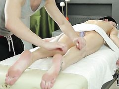 Teen takes heavy cumshot on her pretty face
