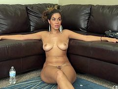Curvaceous Isis Taylor loves cock but also the solo sessions