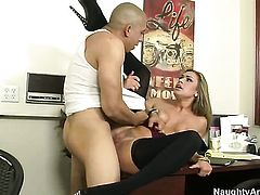 Blonde with tiny bottom and shaved twat getting the earth moving fuck
