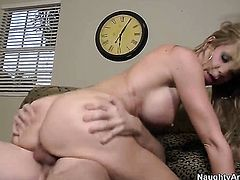 Blonde oriental finds it exciting to be cum soaked
