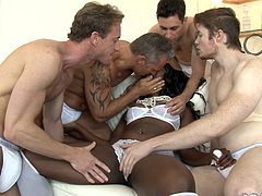Skyler Nicole challenged four white studs to satisfy her. She was overjoyed, when she saw four white cocks at a time and this made her feel horny. They kissed, fingered and licked her pussy, before showing the power of huge white dicks to this black diamond. Perfect GANGBANG!!!