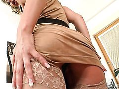 Blonde Sandra De Marco cant stop playing with herself