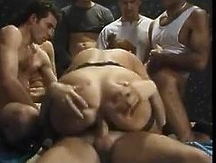 Italian pissing gang bang