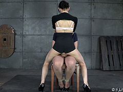 http://img2.sexcdn.net/0l/r8/4c_female_domination.jpg