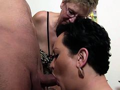 XXX Omas - Kitchen threesome with German Mature sluts