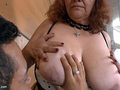 BBW mature granny fucking hard and exposing closeup of her pussy