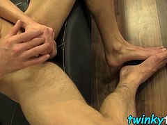 Sexy amateur twink Jessie Jenkins jerks and cums on his feet
