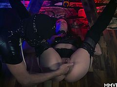 German babe is tied up in the name of pleasure. She gets her pussy played with and cums and still gets to blow a fat cock and squeeze out the juice.