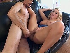 Big dick dude hammers a big ass chick