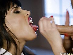 Milf Mercedes Carrera with big booty gets heavily fucked in her mouth by Michael Vegas