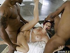 Redhead Monique Alexander gets a nice snatch fuck in steamy sex action with horny guy