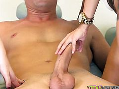 Blonde Sean Lawless knows no limits when it comes to eating Kacey Quinns muff