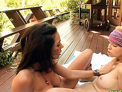 Brunette Shyla Jennings and Sammie Rhodes spend time having lesbian sex
