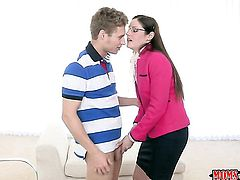 Brunette Samantha Ryan gets turned on then mouth shagged by Michael Vegas