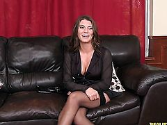 Brunette Leena Sky feels the best feeling ever with Levi Cashs stiff sausage in mouth