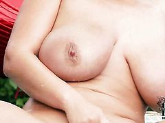 Eva Notty puts her fingers in her pussy hole, HotShame.com