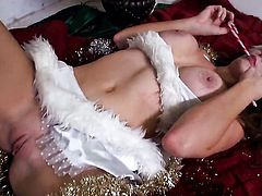 Allison Moore is too horny to stop fingering her muff pie, Updatetube.com