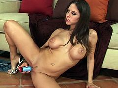 Deliciously busty brunette model Rachel Roxxx shows you exactly how she likes to be penetrated in this solo girl movie