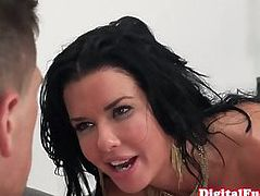 Curvy bigtitted cougar enjoys cocksucking and pussylicking