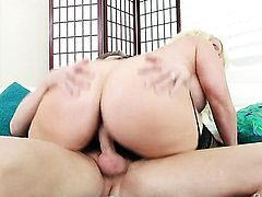 Mark Wood loves fuckable butt of Alura Jenson before she takes it deep down her throat - BeFuck.com