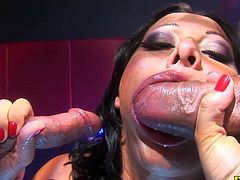 Hard pounding double penetration for bunette Sandra Romain
