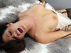 Full natural milf Holly Heart gives her head and gets her muff rammed