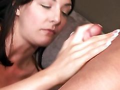 Beautiful MILF enjoys being fucked in the ass