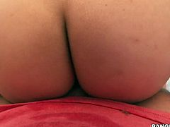 Oiled up anus of Jynx Maze is impaled on a hard pole in hot pov clip