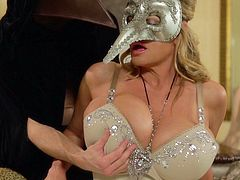 Maginficent sexual experience with alluring blonde Kelly Madison