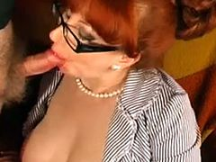 xhamster.com_2468037_red_give_amazing_sloppy_blow_job_to_completion