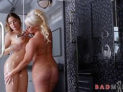 Sexy MILF Stepmom And PAWG Stepdaughter Share Orgasms In Shower
