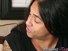 Sexy latina masseuse gets mouth jizzed and sucks cock in hd