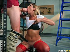 Guy with glasses gets to penetrate August Ames' tight love hole