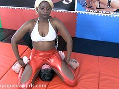SPANDEX SMOTHERS AND HEADSCISSORS WRESTLING
