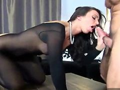 Italian big ass brunette with nice tits wants to be fucked well