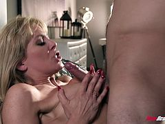 Flexible Cherie Deville gets her wet cunt pounded by a friend