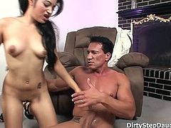 Sporty Stepdad Sex Practice With Daughter Andrea Kelly