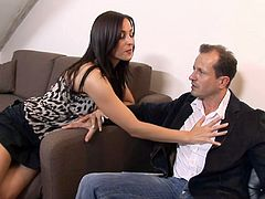 Leggy Czech hooker Simone Peach gives a professional blowjob and gets her anus slammed