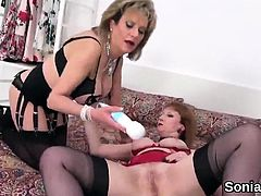 Cheating british mature lady sonia unveils her monster tits5