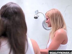 Lily Love and Alice Wonder fuck in the shower - Reality King