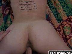 Evelyn Valkova will fuck for cash - Reality Kings