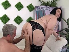 Brunette plumper gets kissed and licked on her ass Then she takes the guys cock so deep inside her pussy and gets fucked in various positions She sucks his dick and he lick her pussy He cums in her mouth