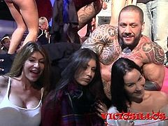 Multitudinary sex party on stage at FEDA 2015 cam2