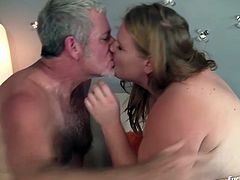 This big fat blonde beauty is having her sex time of her life you will know from her screams and moans. Her fat pussy is so juicy and yummy that our guy would like to fuck her again next time. She also looks sexy in her stockings.