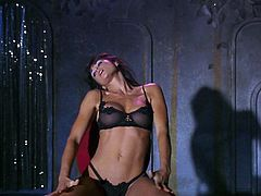 We Life to Party - Demi Moore Striptease