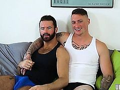 Muscle homosexual orall-service sex and ejaculation