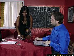 Brazzers - Baby Got Boobs - Jenna J Foxx Johnny Castle - A Tip For The Waitress.