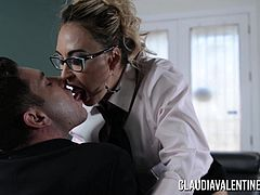 Claudia Valentine fucked and creampied by her therapist