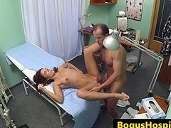 Pounded patient jizzed on pussy by doctor